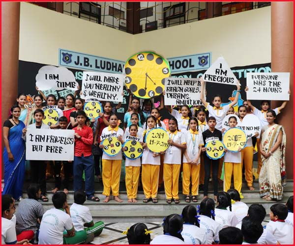ENGLISH ELOCUTION COMPETITION - YELLOW  HOUSE