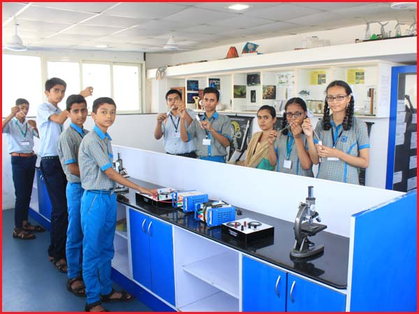 SCIENCE LAB - STUDENT PERFORM  THEIR PRACTICALS
